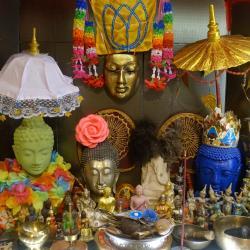 Autel à bouddhas encore